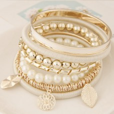 Off White Alloy Bangle Set