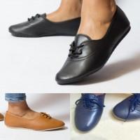 Ladies Flats Size 3 to 5 Black